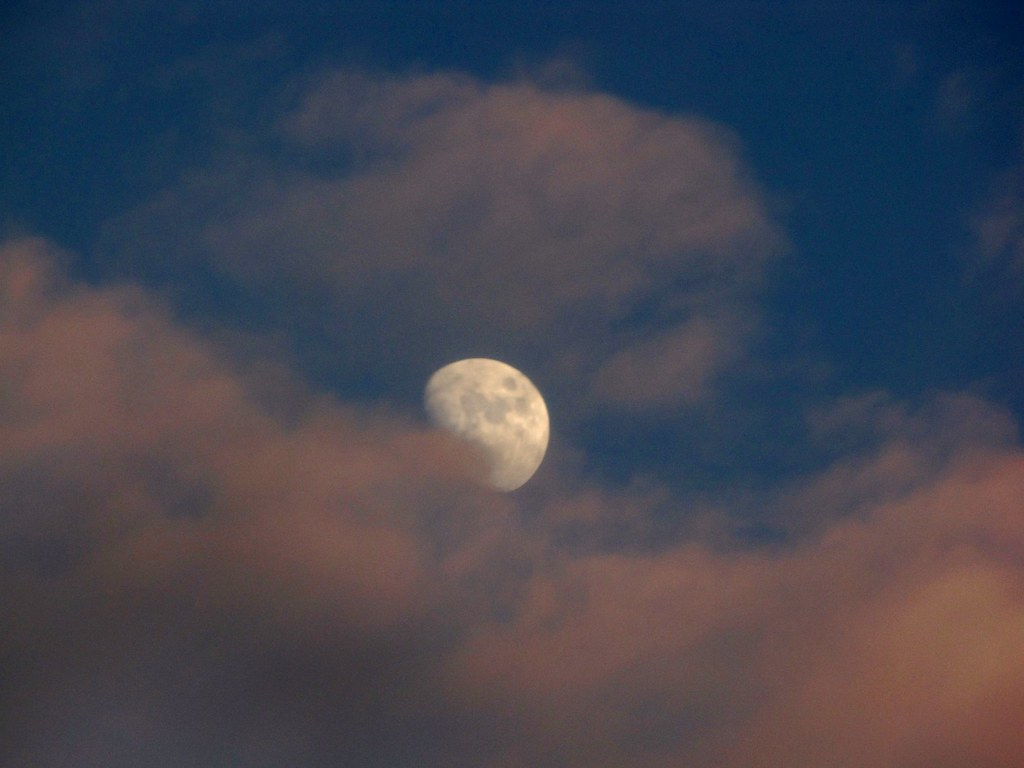 Once In Blue Moon What Was Hiding >> Moon Before Dark Hiding In The Clouds I Have A Rebel Wh Flickr