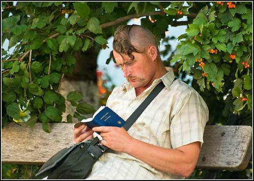 Козак, калина і Новий заповіт | The man ...
