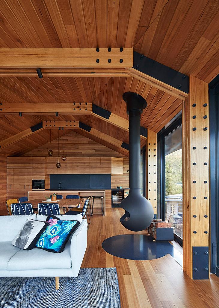 House on stilts design by Austin Maynard Architects in Australia Sundeno_10