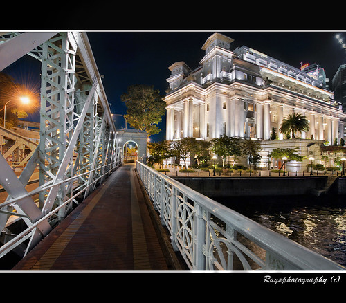 Bridge Across The Singapore River | by Ragstatic