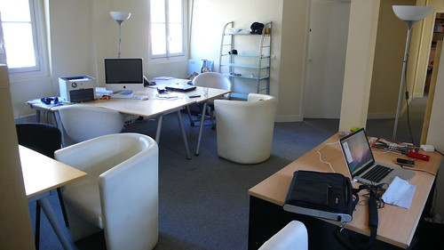 Bureaux 5 rue daunou open space alta de a des bureaux for Couleur pour bureau professionnel