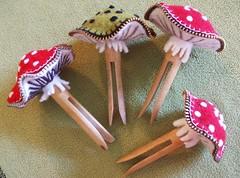 Clothes peg mushroom pin cushion