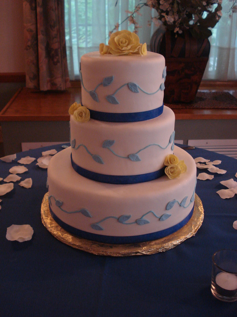 blue and yellow wedding cakes blue and yellow wedding cake www kellysweetrewards 11970