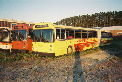 richfield bus co 220 built in 1983 or 1984 manufacturer flickr. Black Bedroom Furniture Sets. Home Design Ideas