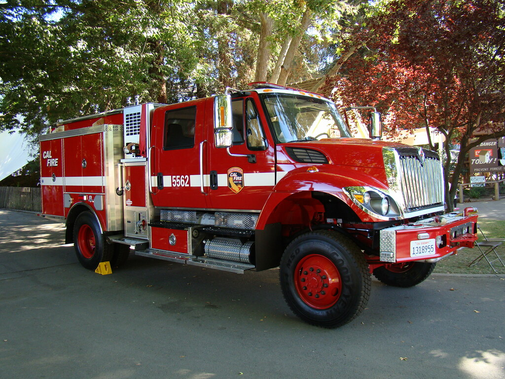 CAL FIRE -- Engine 5562 | Photographed at the 2009 Californi… | Flickr