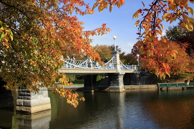 Boston public garden suspension bridge in the fall flickr Boston public garden map