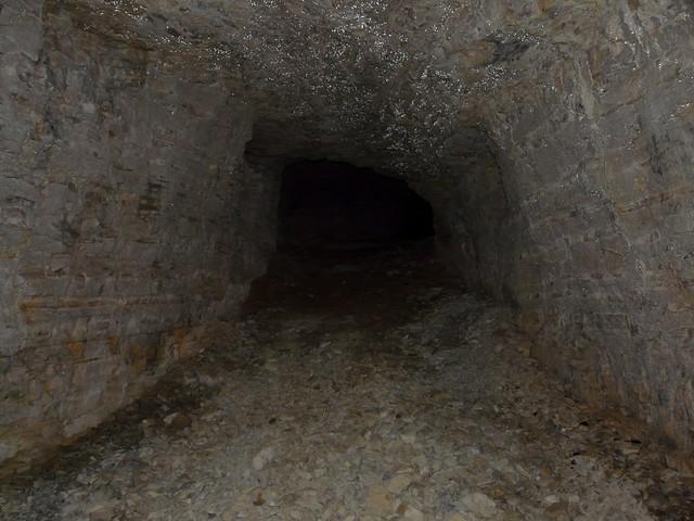 pas de lampe pas plus loin cette grotte illustre parfa flickr. Black Bedroom Furniture Sets. Home Design Ideas