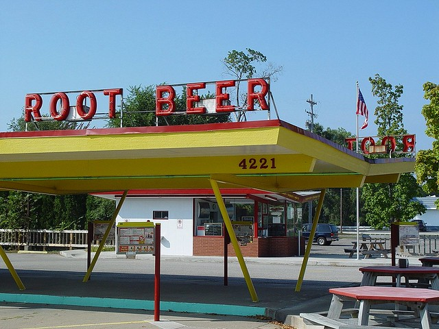 vintage dog 39 n suds drive in restaurant partial view mu