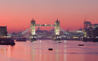 Tower bridge skyline london england panoramic image for Trodel mobel
