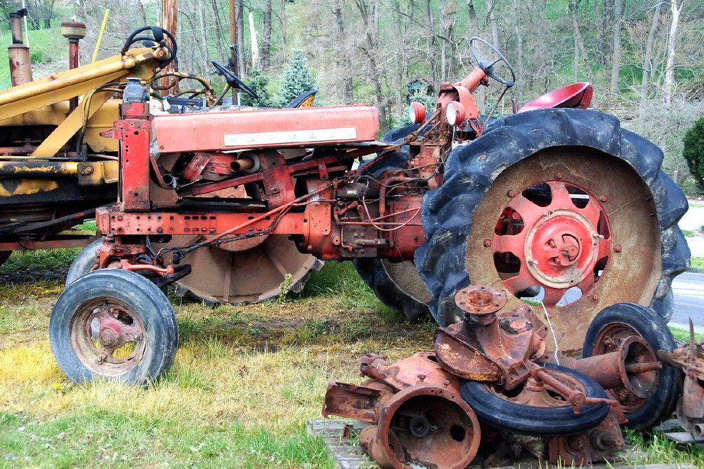 Antique Tractors In Ohio : Holmes county ohio antique tractor we happened upon a