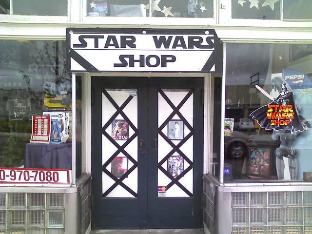 star wars shop aberdeen wa on the way back to seattle. Black Bedroom Furniture Sets. Home Design Ideas