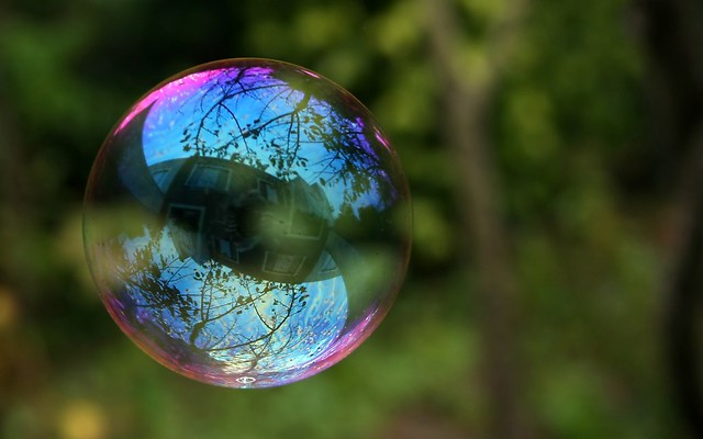 Reflection in a soap bubble flickr photo sharing for Trodel mobel