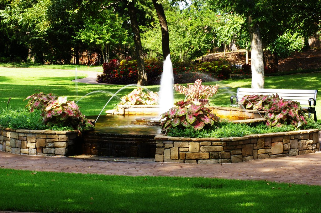 Fountain at the Grapevine Botanical Garden | Greg | Flickr