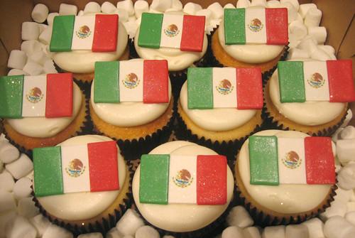 Mexican Flag Cupcakes Mexican Flag Cupcakes | by