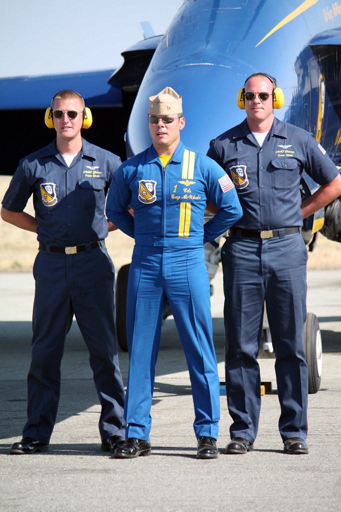 Capo dei Blue Angels, il comandante Greg Mcwherter con Mechani-8673