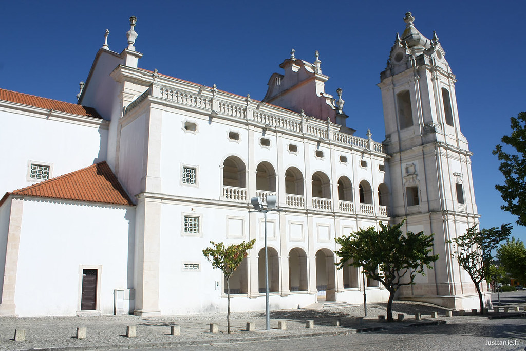 L'église est très belle, malgré sa relativement petite taille