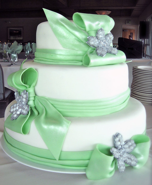 Cake With Fondant Ribbon : three tier wedding cake with seafoam green fondant ribbons ...