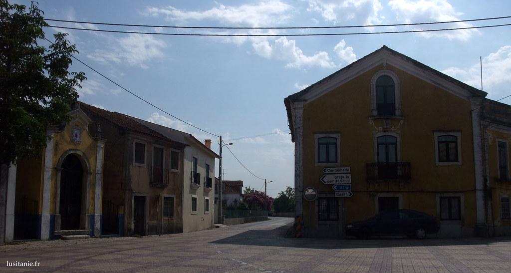 La place du village portugais par excellence