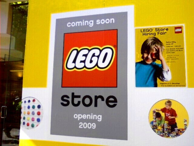 Lego Store - new shop opening in 2009 (Ala Moana SC) | Flickr