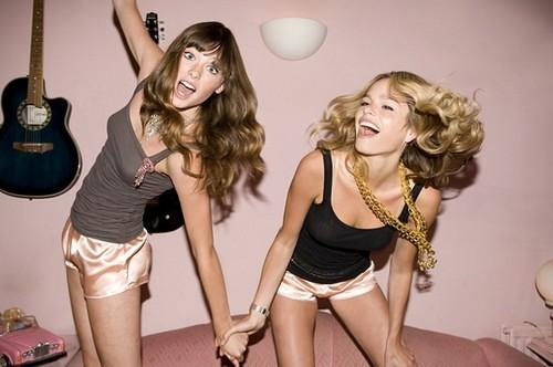 English Hot Teen Dancing 117