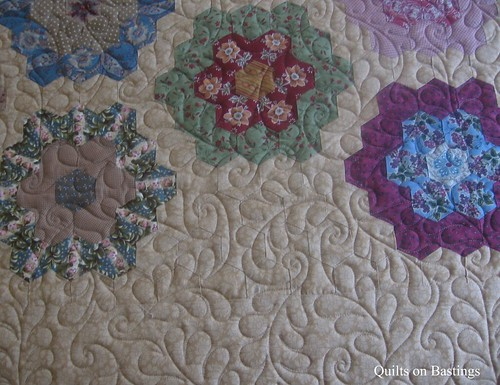 Grandmother S Flower Garden Quilt Www Quiltsonbastings