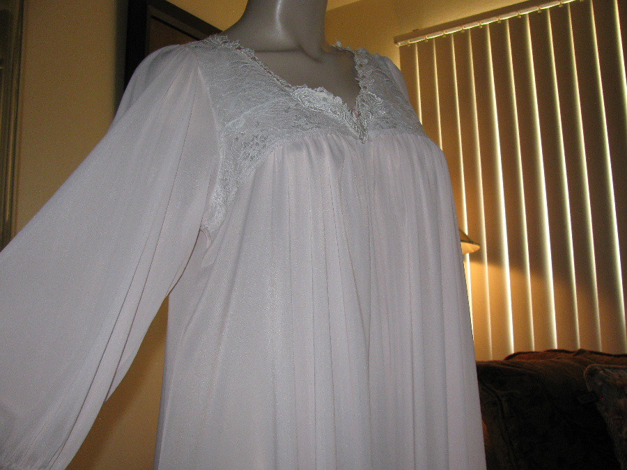 Miss Elaine Pale Pink Antron Nylon Nightgown Close Up Fron…   Flickr
