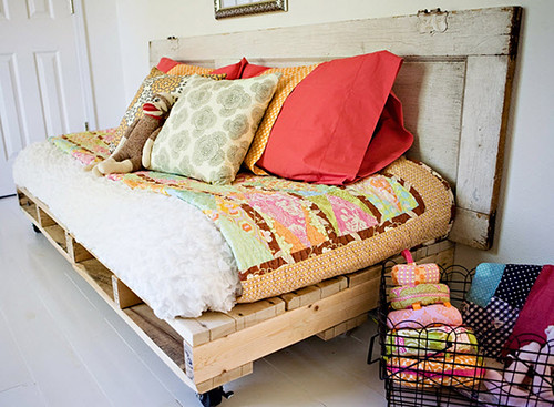 Pallet day bed | by Rosenatti