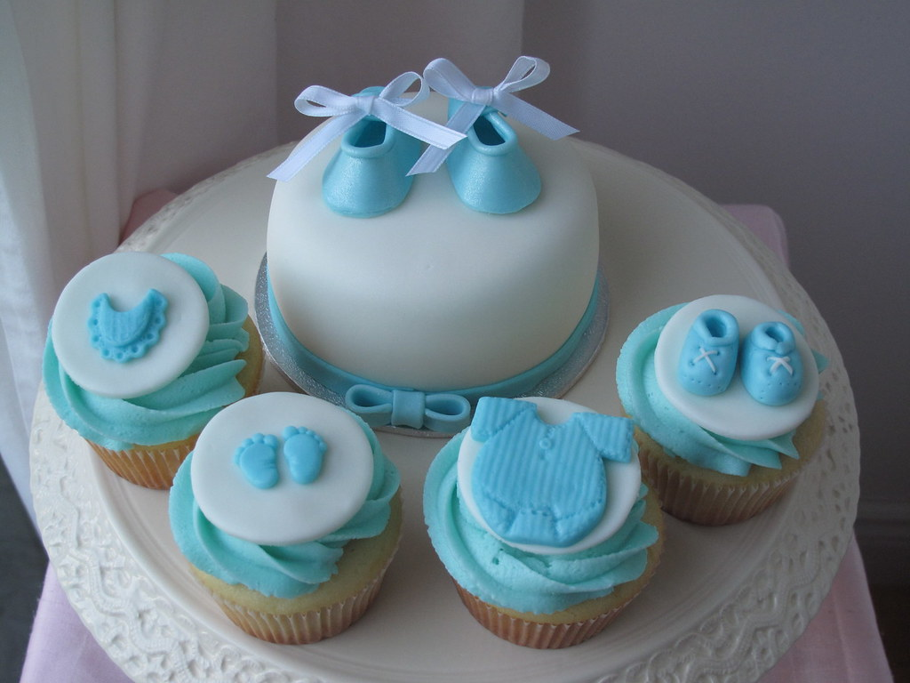 creativecupcakes baby shower mini cake with cupcakes by creativecupcakes
