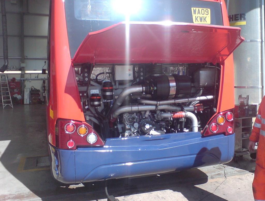Stagecoach Somerset 25253 MAN engine | Engine bay shot - MAN… | Flickr