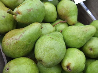Pears from Eschelman's Fruit Farm (via Wayward Seed Farms) | by swampkitty