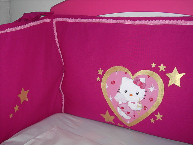 Tour de lit hello kitty digital stillcamera b b tout mimi flickr - Parure de lit hello kitty 1 personne ...