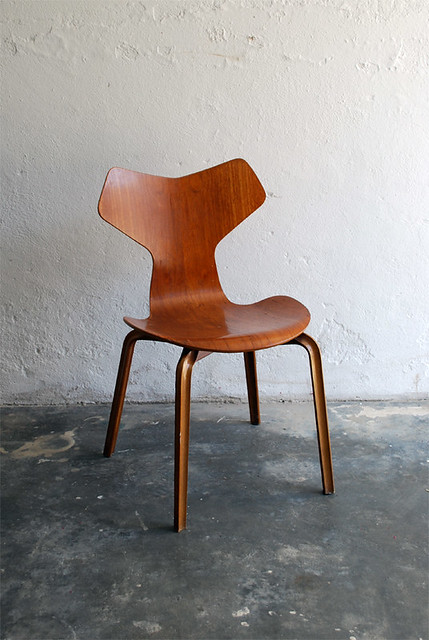 Arne jacobsen 3130 aka grand prix artur f lix da cruz flickr - Chaise grand prix jacobsen ...