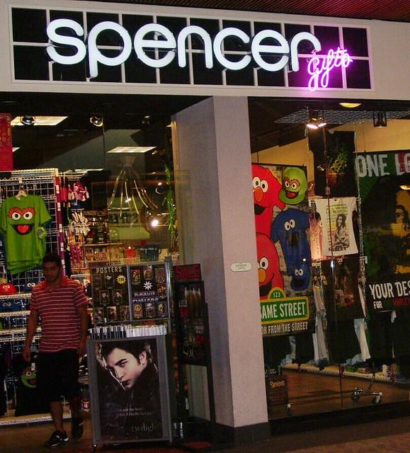 Spencer Gifts Windward Mall Kalihikahuna74