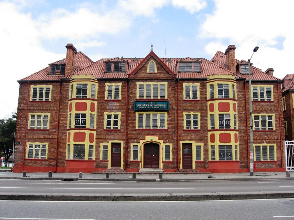 Casa de la s ptima bogot colombia casa cultural de for Casa mansion bogota