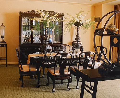 Asian korean chinese dining room table interior design set for Asian themed dining room ideas