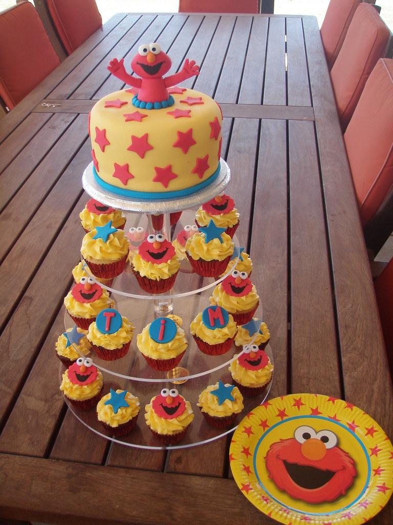 How To Make An Elmo Cupcake Cake