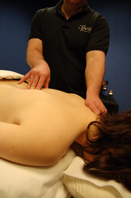 therapeutic massage deep tissue with asian