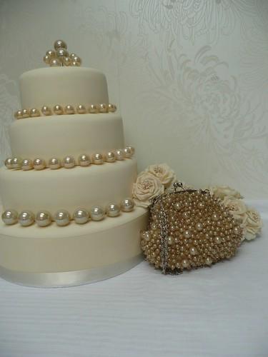 Ivory Pearls Wedding Cake Ivory Wedding Cake With