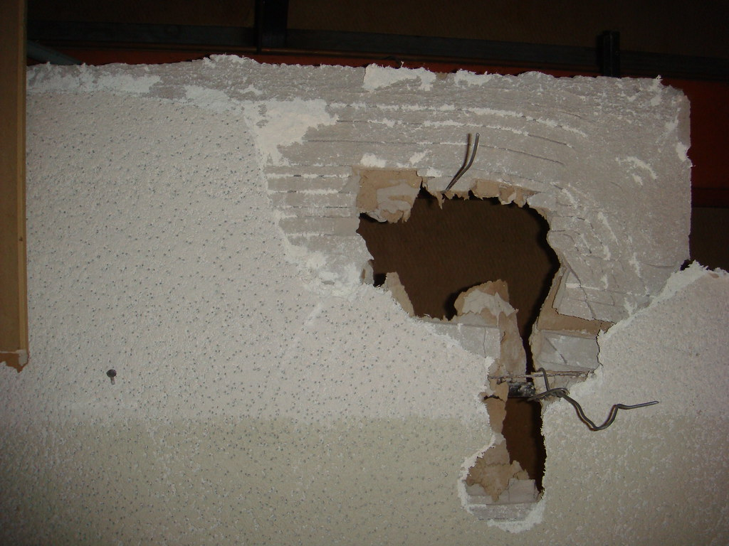 Asbestos Acoustical Ceiling On Plaster Scratch Coat Flickr