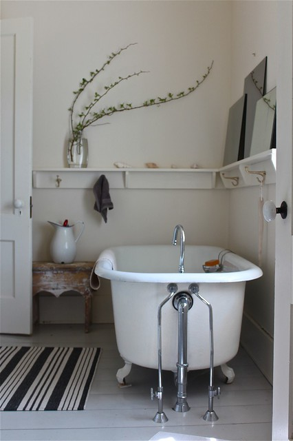 Sheila Narusawa Via Design Skool White Vintage Rustic Bathroom Flickr Photo Sharing