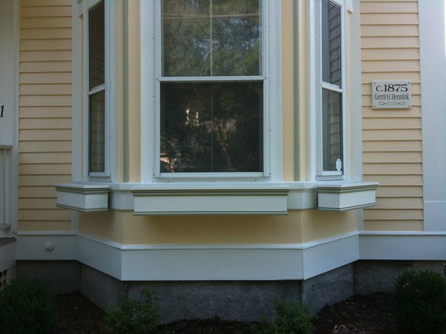 Boxes on the front bay window flickr photo sharing for Box bay windows