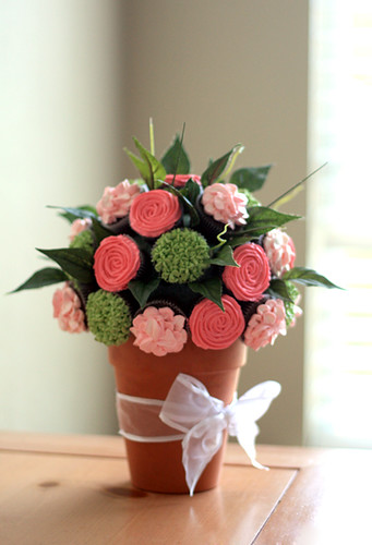 Cupcake Flower Bouquet | by Bee'sKneesCreative