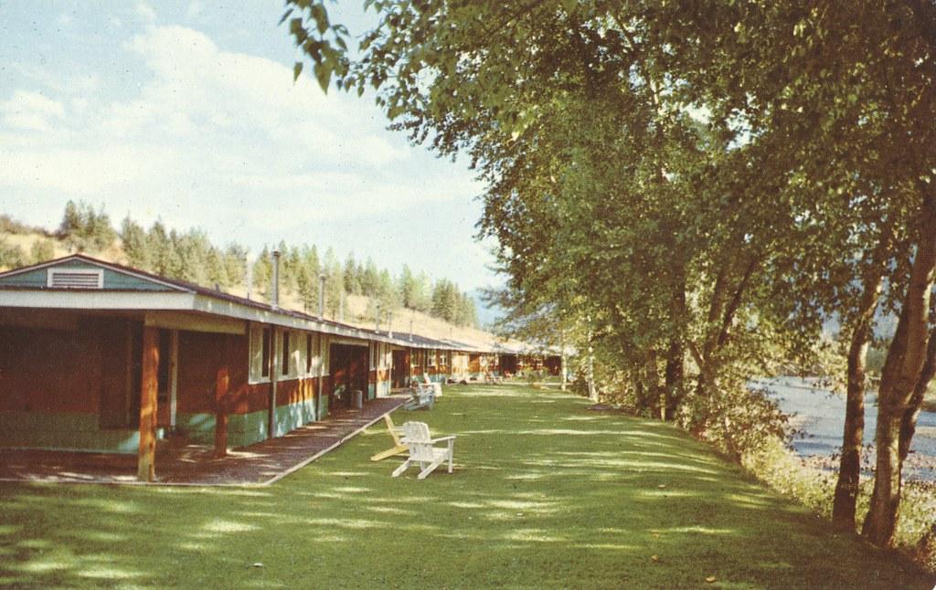 Johnnie's Motor Court - Grand Forks, British Columbia