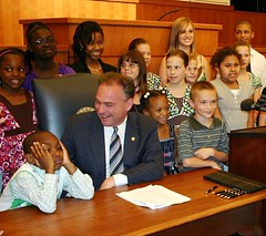 Virginia Governor Tim Kaine and Army children | by The U.S. Army