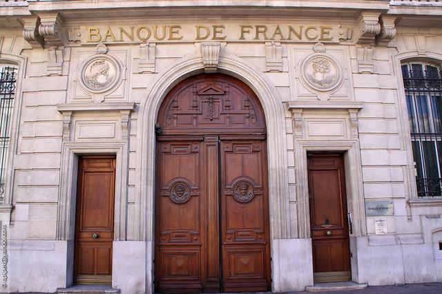 Mais être Banque de France, ce n'est pas une fin en soi, juste un état transitoire qui va permettre de se remettre à flot, et de démarrer l'année d'un bon pied. Reste le problème de l'emprunt/5(7).