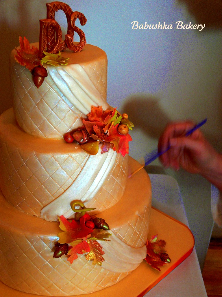 autumn wedding cake images an autumn wedding cake quilted ivory draped effects 10905
