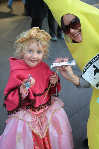 Divine Chocolate Giveaway in the Bay Area - October 29th, 2009 | by Fair Trade Towns USA