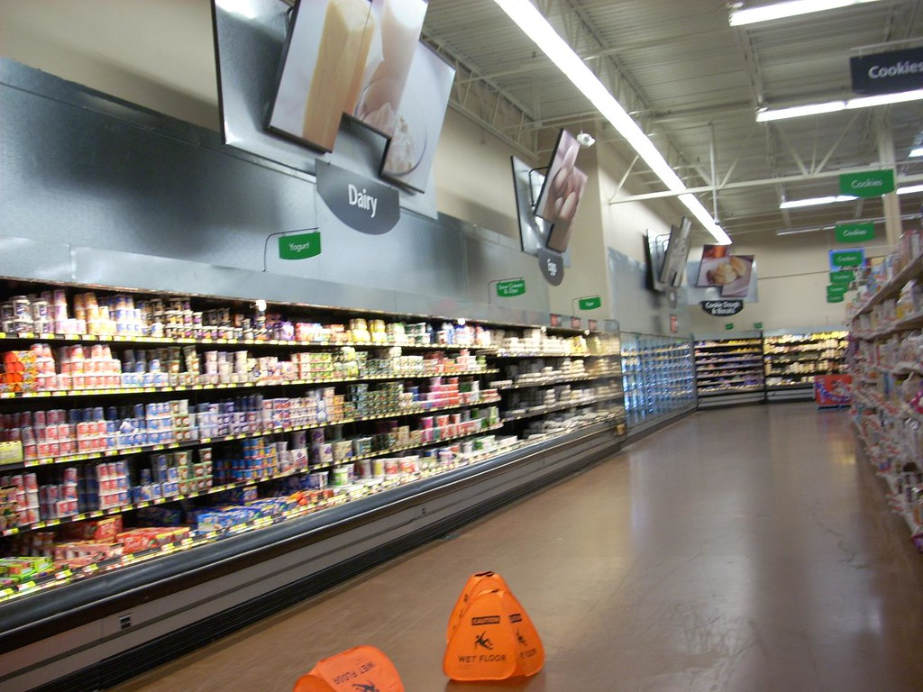 Wal-Mart Supercenter interior | Wal-Mart Supercenter #5487 ...