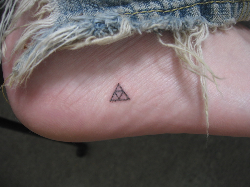 My Triforce Stick And Poke Tattoo My Friend Fiver Instigat Flickr
