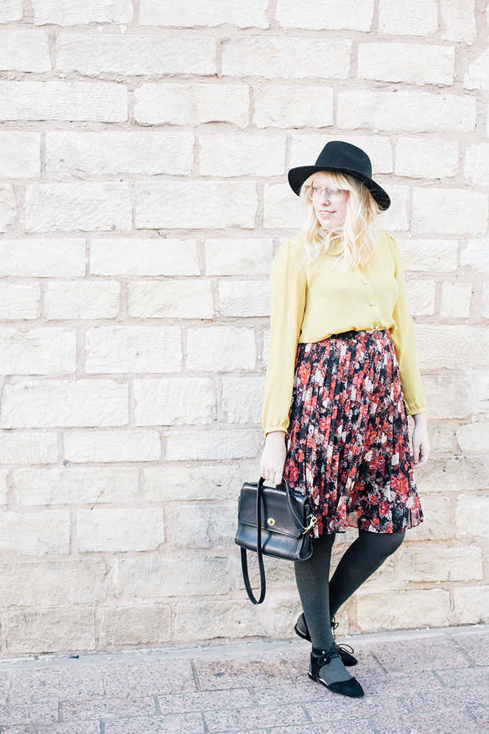 austin fashion blogger floral midi skirt winter outfit13